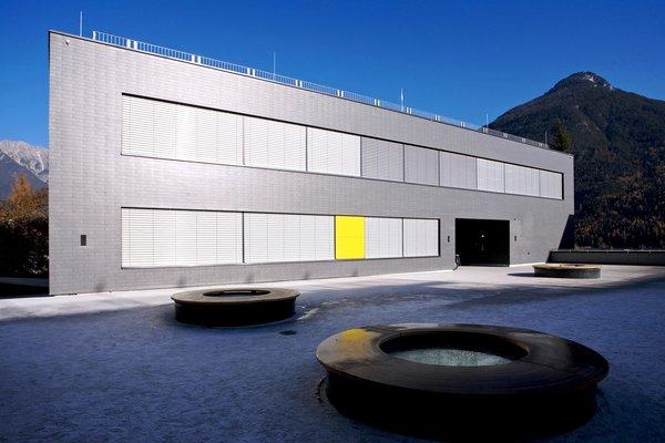 Schulgebäude / Kommunale Einrichtungen