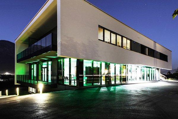 Büro & Geschäftsgebäude